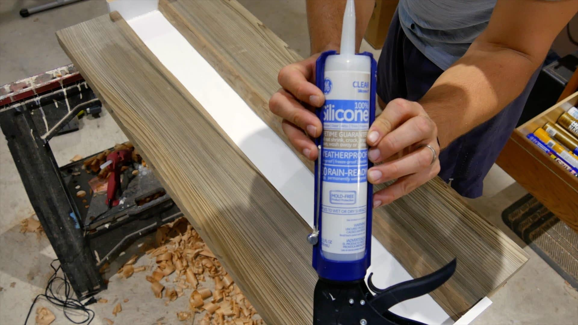Epoxy resin river table silicone caulk