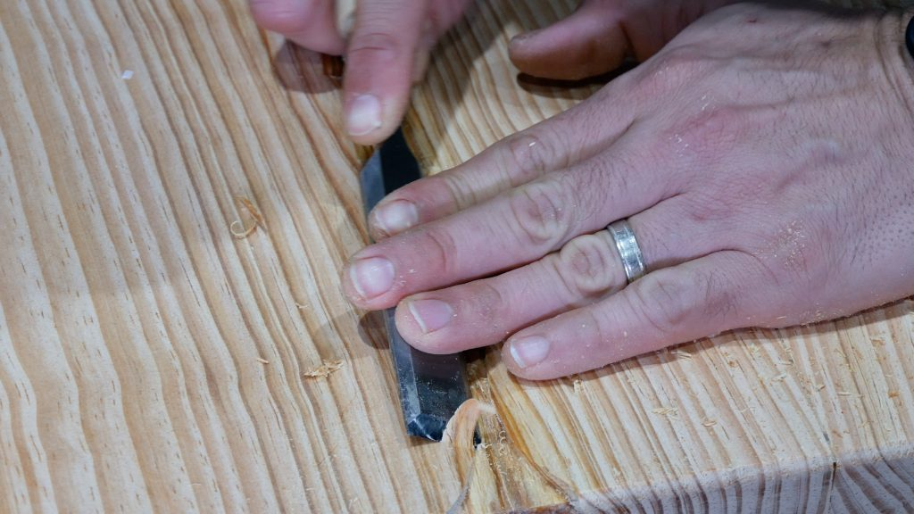 how to make a rustic table with epoxy resin - chisel river