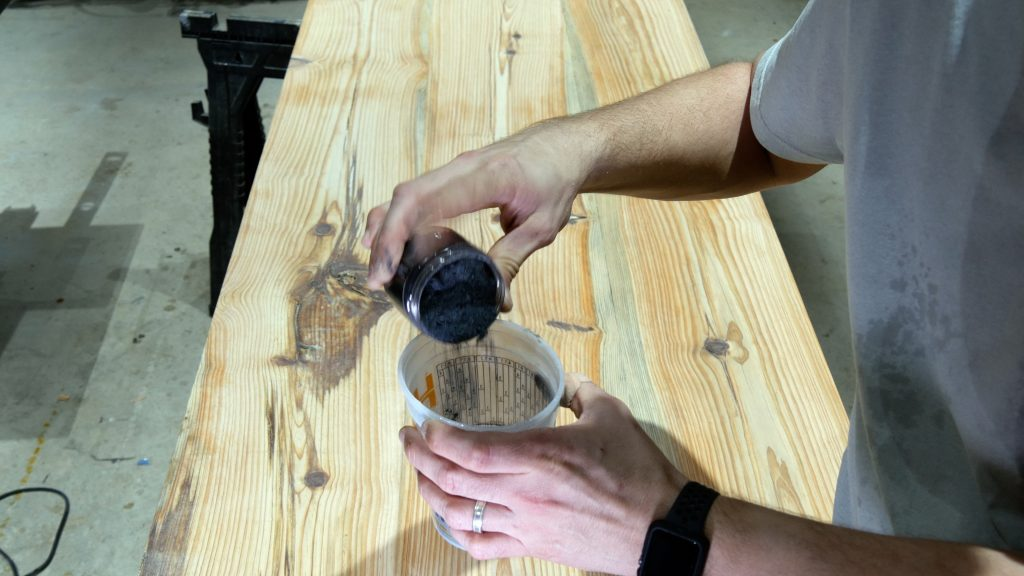 how to make a rustic table with epoxy resin - black pigment powder