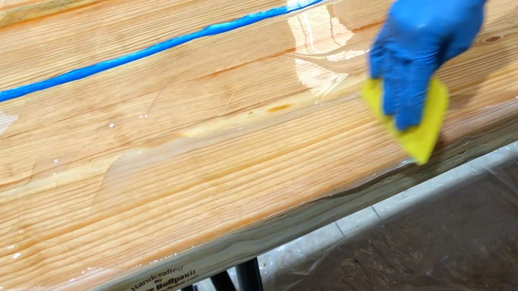 how to make a rustic table with epoxy resin - stonecoat epoxy cover sides