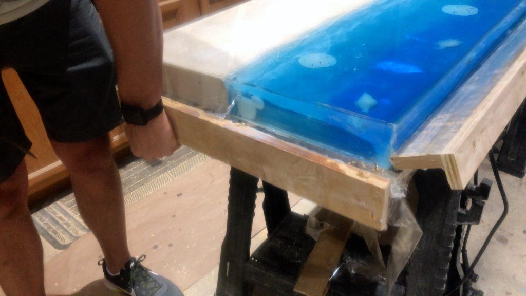 epoxy-resin-ocean-table_95