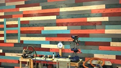 how to use old fence boards on a wall_plain thumbnail