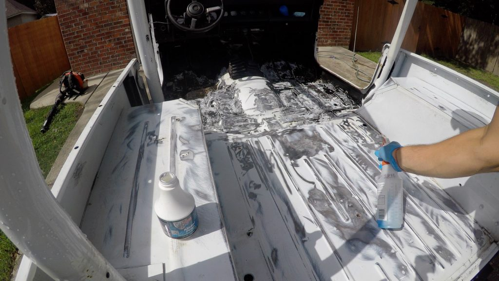 how to spray bed liner in a jeep wrangler interior metal etching