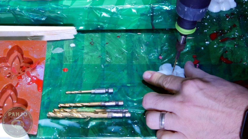 DIY Wood and Resin Wall Art - Baseball Storage Rack_Baseball Glove Holders