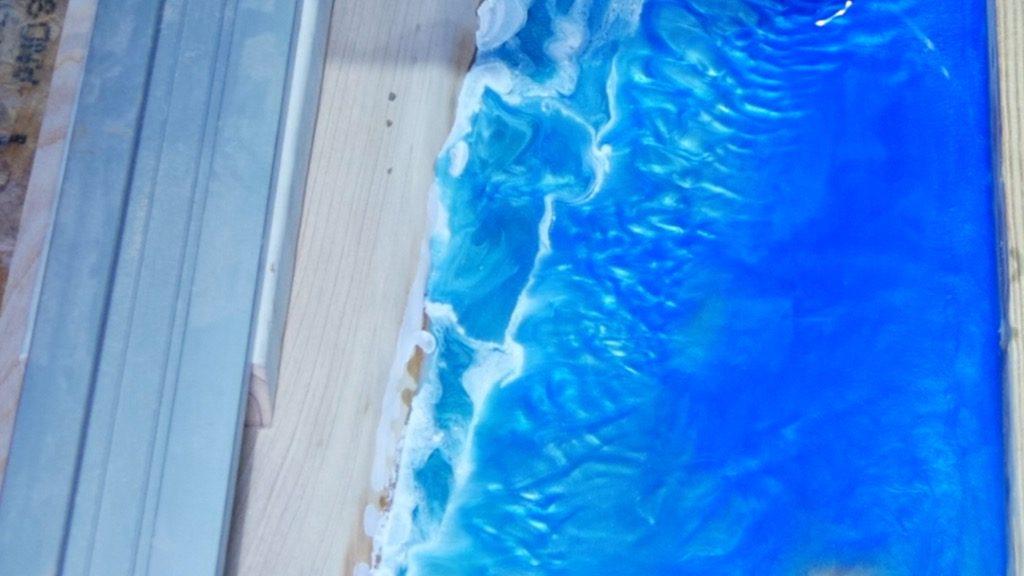 heat gun to blend resin beach art