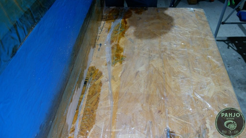 remove epoxy mould