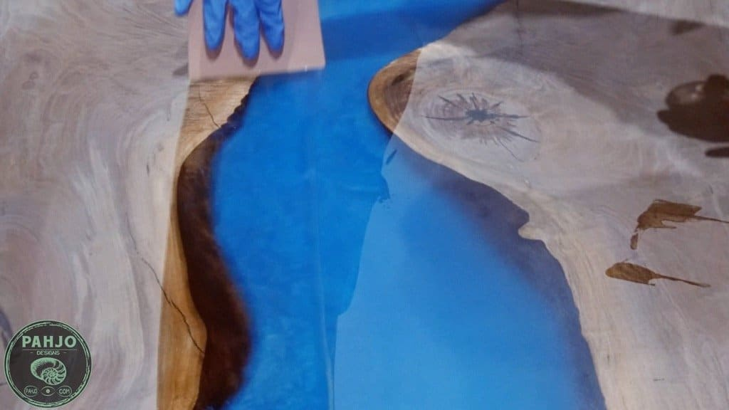 apply rubio monocoat to an epoxy river table