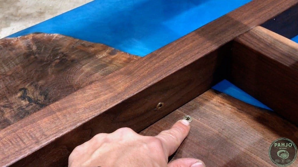 how to attach table top to base using threaded inserts